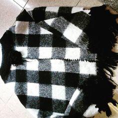 poncho lana cotta a quadri bianco grigio nero : Cappotto, giubbotto, giacca di…