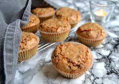 Makronmuffins. Min bedste opskrift på nemme og lækre muffins med makroner og chokolade. Få den nemme opskrift lige her... Bnp, Cupcake Frosting, No Bake Desserts, Afternoon Tea, Tapas, Cake Recipes, Sweet Tooth, Brownies, Muffins