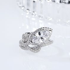 Jeulia offers premium quality jewelry at affordable price, shop now! Silver Bracelets, Silver Earrings, Silver Rings Online, Lab Diamonds, Diamond Rings, Necklace Lengths, Halo, Sterling Silver Rings, Engagement Rings