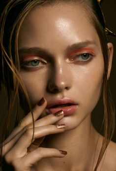 Chanel Vitalumiere Aqua in Beige Marc Jacobs Beauty Lip Lock in Makeout Nars Soft Touch Shadow Pencil in Iraklion Beauty Make Up, Hair Beauty, Russian Beauty, Beauty Shoot, Everyday Makeup, Poses, Makeup Inspiration, Hair And Nails, Portraits