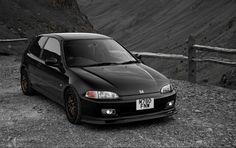 92-95 honda civic hatchback (Black always looks good on a Honda)