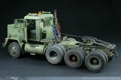 M920 Truck - Medium Equipment Transporter (MET) by Akos Szabo