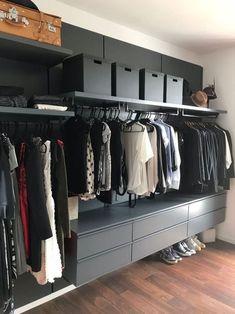 Bedroom Closet Design, Closet Designs, Bedroom Decor, Wardrobe Room, Walk In Wardrobe, Wardrobe Ideas, Commode Design, Wardrobe Systems, Closet System