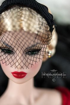 After Tonight Eugenia – Inside the Fashion Doll Studio Fashion Royalty Dolls, Fashion Dolls, Retro Fashion, Vintage Fashion, Vintage Style, High Fashion, Doll Head, Doll Face, Barbie Funny