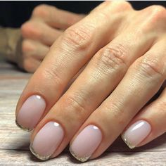 The French manicure is so But when you add a bit of glitter to the tips, it becomes chic all over again. Nail Art Designs, Simple Nail Designs, Cute Nails, Pretty Nails, Milky Nails, Bride Nails, French Tip Nails, Perfect Nails, Simple Nails