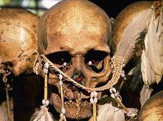 Misterios y Conspiraciones: El canibalismo la clave para curar el alzheimer