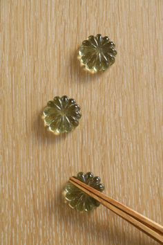 萩ガラス 菊箸置