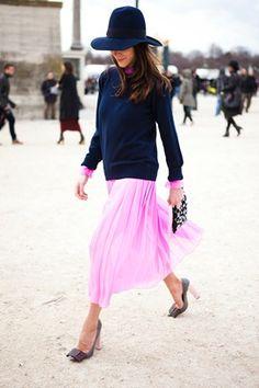 Saia plissada com blusa longa - London Fashion Week 2013