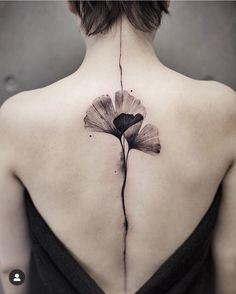 Flower Spine Tattoos, Back Tattoos Spine, Dragon Sleeve Tattoos, Back Tattoo Women, Phönix Tattoo, Body Art Tattoos, Tatoos, Hidden Tattoos, Small Tattoos