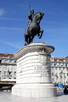 Praça da Figueira, Lisboa, by Malcolm Bott.