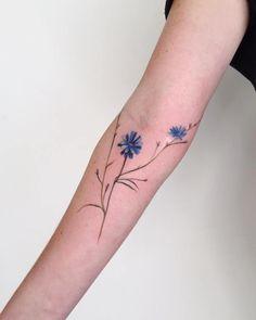 tatuagens delicadas de flor
