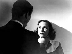 Shadow Of A Doubt, Joseph Cotten, Teresa Wright, Strangling, 1943 Photo at AllPosters.com