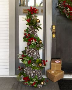 55 Rustic Christmas Decoration Ideas Country Christmas Decor for to do with a tomato cage. Make each garland individually and connect it to the cagePine cones as a Christmas tree Pine cones as a Cone Christmas Trees, Noel Christmas, Outdoor Christmas, Rustic Christmas, All Things Christmas, Christmas Tree Decorations, Christmas Wreaths, Christmas Entryway, Christmas Greenery