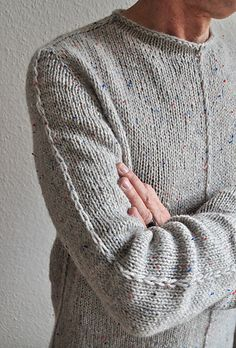 Comfortable and chic sweater breathes the seam spirit, uses the contiguous set-in sleeve method developed by SusieM.