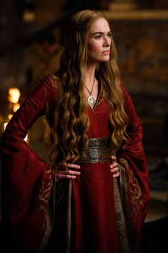 Get the Game of Thrones - Cersei Lannister Costume. You can look like Queen Regent Cersei Baratheon. Find the best Cersei Lannister costume ideas here. Costumes Game Of Thrones, Game Of Thrones Cersei, Game Of Thrones Cast, Game Of Thrones Funny, Game Of Thrones Characters, Game Of Thrones Outfits, Game Of Thrones Ending, Lena Headey, Cersei Lannister Costume