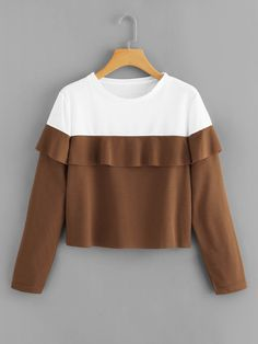 To find out about the Ruffle Trim Color Block Sweatshirt at SHEIN, part of our latest Sweatshirts ready to shop online today! Girls Fashion Clothes, Teen Fashion Outfits, Trendy Outfits, Sport T-shirts, Jugend Mode Outfits, Crop Top Outfits, Sweatshirt Dress, Hoodie, Pullover