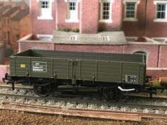 The Bass wagon is too long for the shunting puzzle, axles aren't sprung to self centre, so it has been replaced by a 12t Pipe Wagon instead