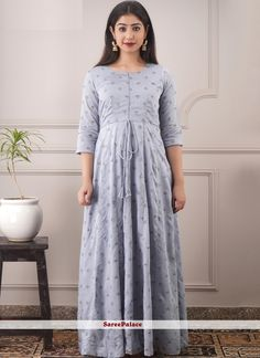 Foil Print Festival Readymade Lavender Gown Dresses Online Usa, Cheap Prom Dresses Online, Gowns Online, Indian Dresses For Girls, Indian Outfits, Girls Dresses, Lavender Gown, Printed Gowns, Trendy Sarees