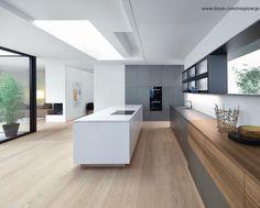 Hele rustige 18 cm brede eiken houten vloer zonder noesten - hout in de keuken kan heel goed, maar u moet het iets meer onderhouden dan in de kamer - www.fairwood.nl