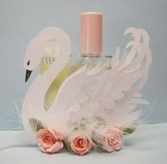 FREE CUT FILE Paper Pulse Blog Spot beautiful swan favour, gift decoration treat. Lovely for princess party or wedding.....