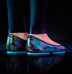 Arabian Night Tieks: A Magical Giveaway - these shoes are beautiful, great for traveling, and they are giving away a free pair!!  Register by 1/26/16.  No purchase necessary!!!