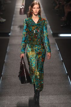 Louis Vuitton Spring 2015 Ready-to-Wear Fashion Show - Elisabeth Faber (SCOOP)