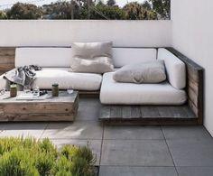 Une banquette outdoor simple home made / Lejardindeclaire