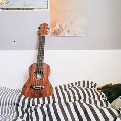 #Repost @seinly my new babe #ukulele #우쿨렐레 #ukulelelife #ukulelelove #music #ukelele #guitar
