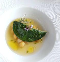 Swiss chard ravioli stuffed with prawns / garbanzo