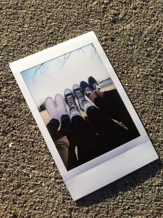 Picture of a Poloriod picture •Pinterest: selahrobertson•