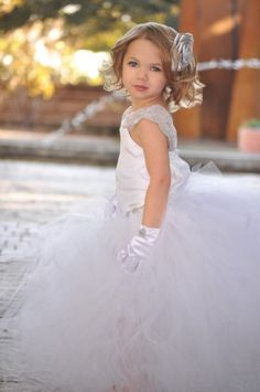 White Elegant Flower Girls Tutu Dress, i know this doesn't go w/ my theme..but so freakin' adorable!