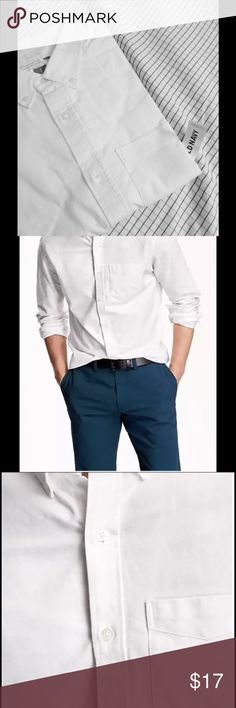 Old Navy Slim Fit Oxford shirt Materials & Care 100% cotton. Machine wash Imported.  Product Details Button-down collar. Seven-button placket. Long sleeves, with buttoned cuffs and sleeve plackets. Shirttail hem. Soft, medium-weight Oxford cotton. ❤️love to hear more questions. ❎No trades pls☺️ Old Navy Shirts Dress Shirts