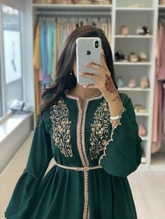 page – Classy & Fabb Arab Fashion, Muslim Fashion, Morrocan Dress, Casual Dresses, Fashion Dresses, Long Dresses, Elegant Dresses, Beautiful Dresses, Hijab Dress Party