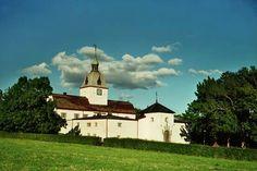 Austråttborgen, Borgveien 7140 Opphaug, Norway (ca. Cathedrals, Villas, Norway, Villa, Cathedral, Mansions