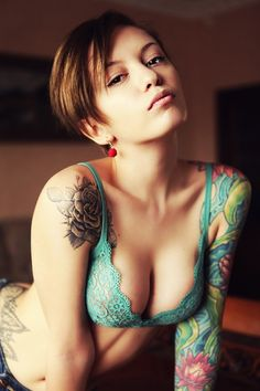 Girl with Tattoos #inked #sexy #tats #tattoos #ink #woman #tatts #tattoo