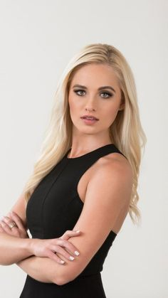 Who doesn't love their news anchors and reporters? Especially when they're total babes. Share pics and gifs of your favorite local and national. Stunningly Beautiful, Beautiful Women, Tomi Lahren, Makeup List, Smart Women, Flawless Beauty, Celebrity Wallpapers, American Women, Trendy Hairstyles