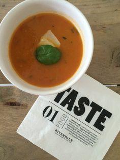 Italiaanse pompoensoep 1 Food Tasting, Thai Red Curry, Beverages, Drinks, Foodies, Vegan, Fruit, Vegetables, Healthy