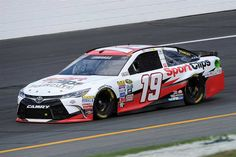 Starting lineup for New Hampshire 301 - Friday, July 15, 2016 - Carl Edwards will start 13th in the No. 19 Joe Gibbs Racing Toyota. - Crew Chief: Dave Rogers - Spotter: Jason Hedlesky