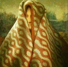 Mona Lisa wearing blanket over her head art Memes Arte, Funny Art, Funny Memes, La Madone, Mona Lisa Parody, Art Jokes, Photocollage, Aesthetic Art, Oeuvre D'art