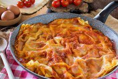 Lasagne senza forno ricetta semplice, un primo piatto alternativo alla classica lasagna con ragù e besciamella, cotta sul fornello.