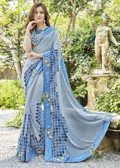 Indian New Latest Designer Trendy Printed Partywear Ethnic Pakistani Saree Sari Pakistani Dresses, Indian Dresses, Indian Sarees, Silk Sarees, Fancy Sarees, Party Wear Sarees, Indische Sarees, Party Kleidung, Saree Trends