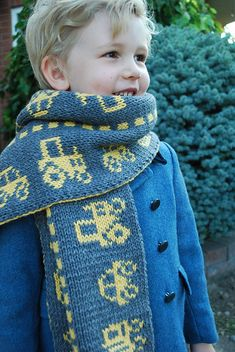 Ravelry: Traffic Scarf pattern by Alexis Hoy in Spud & Chloe Sweater Yarn