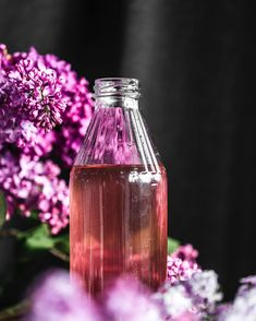 As long as the lilacs in our garden are in full bloom we try to include them in a bunch of different recipes! ☺️ This is a super delicate and also easy lilac syrup. you can use it in a drink or also combine it in a dessert or pour it over crepes!  we can tell you, the taste is just heavenly! 😍 . . . #lilacs #lilacsyrup #onmytable #theartofslowliving #enjoythelittlethings #homegrown #fromgardentotable #surlatable #feedfeed #thrivemag #flowerlove #food52grams #frommykitchen… Enjoy The Little Things, Lilacs, Food 52, Different Recipes, New Pins, Crepes, Syrup, Heavenly, Glass Vase