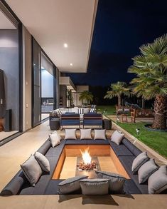 Outdoor Fireplace Designs, Outdoor Patio Designs, Outdoor Fireplaces, Outdoor Decor, Unique House Design, Dream Home Design, Modern Architecture House, Architecture Design, Building Architecture
