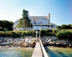This is a dream beach house. Great architecture and interiors! Style At Home, Coastal Homes, Coastal Living, Beach Homes, Lake Homes, Beach Condo, Villas, Tiny House, Haus Am See