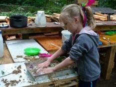 Błotna kuchnia - mud kitchen