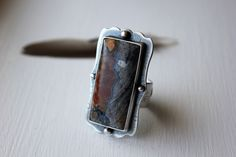 Ring | Rochelle Darrow.  Sterling silver and agate.
