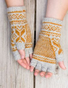 Belyse knit fingerless gloves on Ysolda. Pattern pdf for purchase.