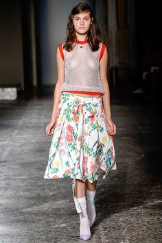 Fotos de Pasarela | Arthur Arbesser, primavera-verano 2016 Primavera-Verano 2016 Milán | 5 de 38 | Vogue México
