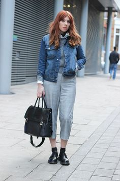 Blogger The Goodowl wears a denim jacket with cropped trousers and knit #newseason #streetstyle #inspiration #transitional